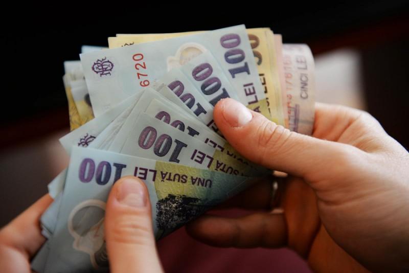 Angajator din Botoşani, după majorarea salariului minim: Majorarea salariilor fără o consultare a mediului economic, o greşeală extraordinară!