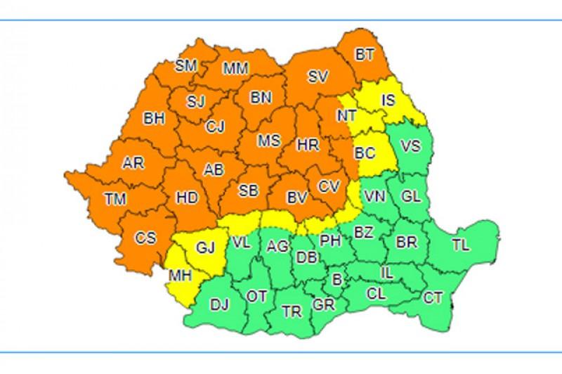 ANM: Cod portocaliu de furtuni în 18 judeţe din nordul, vestul şi centrul ţării
