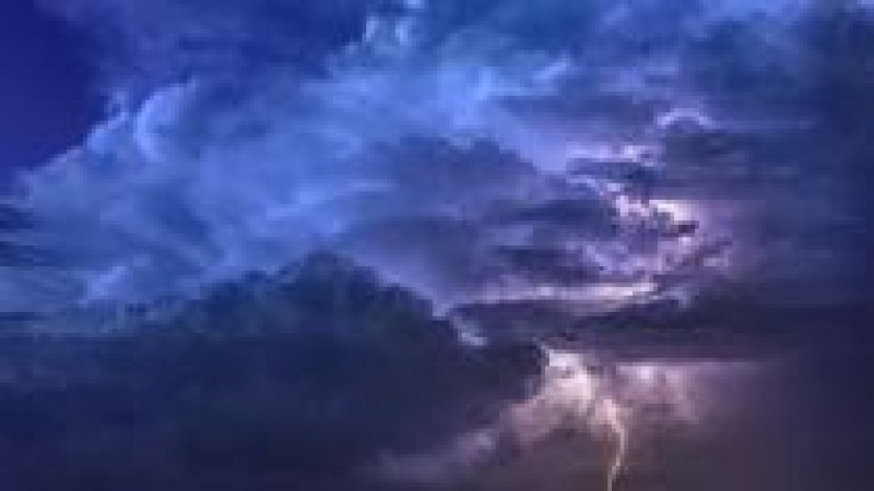 ANM: Informare de instabilitate atmosferică pentru cea mai mare parte a țării, până la ora 21:00