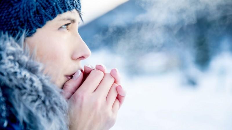 ANM: Informare meteo de vreme deosebit de rece. Ninsori și lapoviță la munte