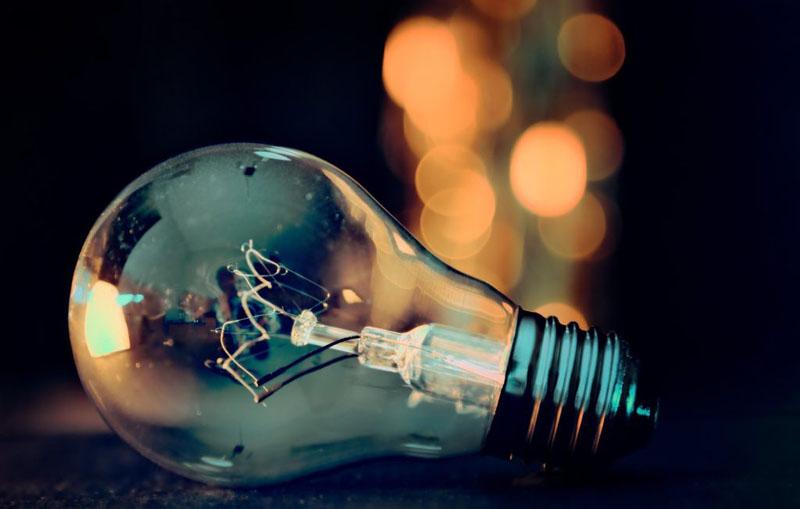 ANRE prelungeşte până la 31 martie 2021 perioada până la care ne putem schimba furnizorul de energie
