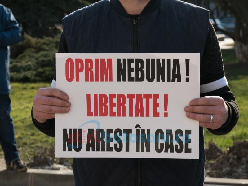 """""""Anularea orei de intrat în case/magazine"""", este mesajul unei petiții semnată de mii de români"""