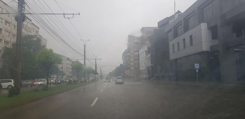 """Anunțul unui comerciant din Botoșani: """"Din cauza numărului limitat de bărci, am oprit livrările la domiciliu!"""" VIDEO"""