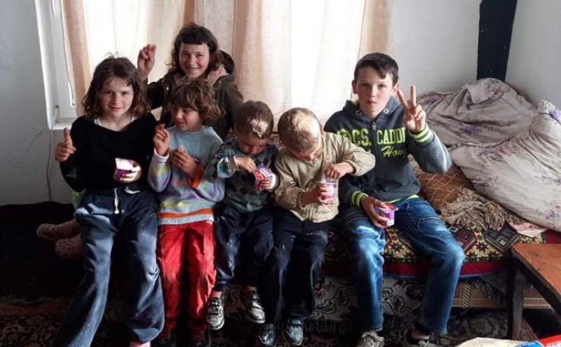 APEL UMANITAR pentru un tată care își crește singur cei șase copii!