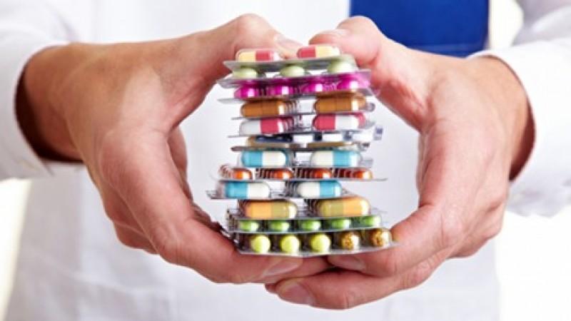 Apelezi prea des la antibiotice? Iată cinci efecte nocive!