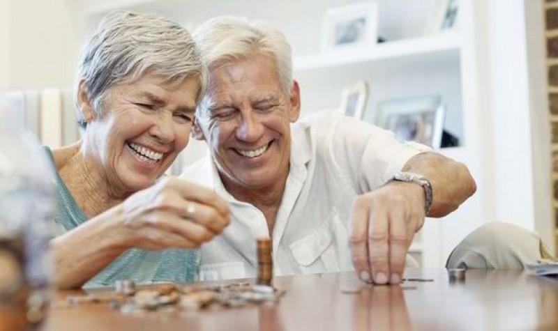 Aproape 10.000 de pensionari din Botoșani au primit indemnizație socială