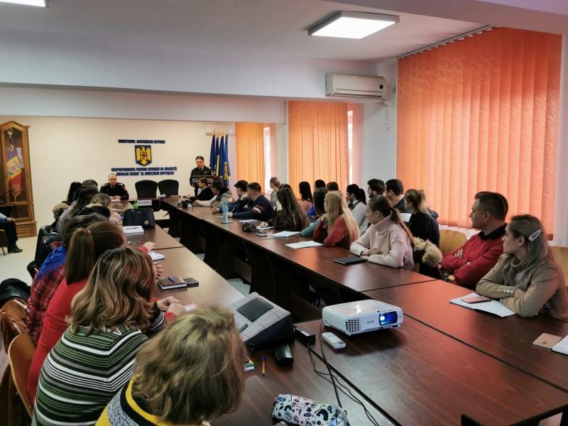 """Aproape 50 de botoșăneni se pregătesc să participe voluntar la misiuni alături de echipajele Inspectoratului pentru Situaţii de Urgenţă """"Nicolae Iorga"""" al Judeţului Botoşani"""