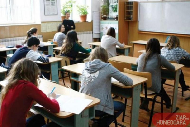 Aproximativ 15% din totalul absolvenților de liceu din județul Botoșani nu s-au înscris la Bacalaureat