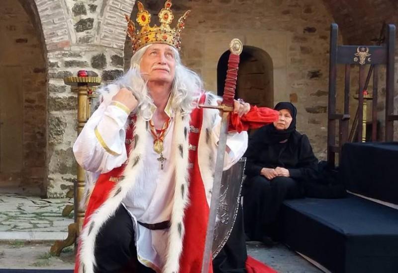 """Apus de Soare în Cetatea lui Ștefan. """"Teatrul de la Botoșani este unul special pentru Suceava!"""" FOTO, VIDEO"""