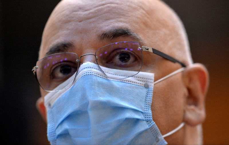 Arafat vrea să păstreze în spitale personalul angajat fără concurs în starea de alertă