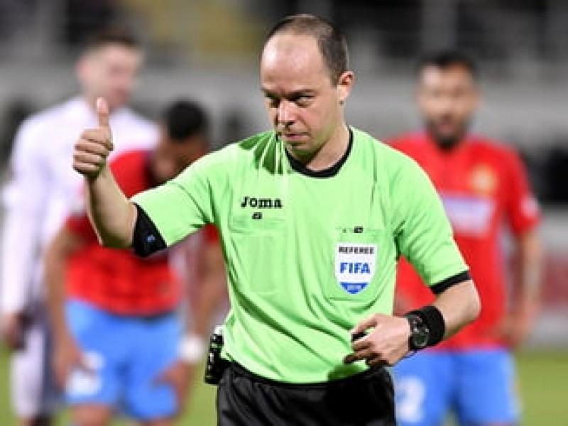 """Arbitru român accidentat într-un meci din Europa League. """"Scoaterea mea pe targă a fost o măsură de precauție"""""""