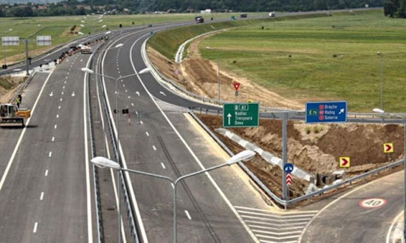 Aritmetica dezastrului: În 30 de ani, cei 550 de parlamentari din județele Moldovei au reușit să construiască doar 17 kilometri de autostradă în regiune. Fiecăruia îi revine câte 31 de metri
