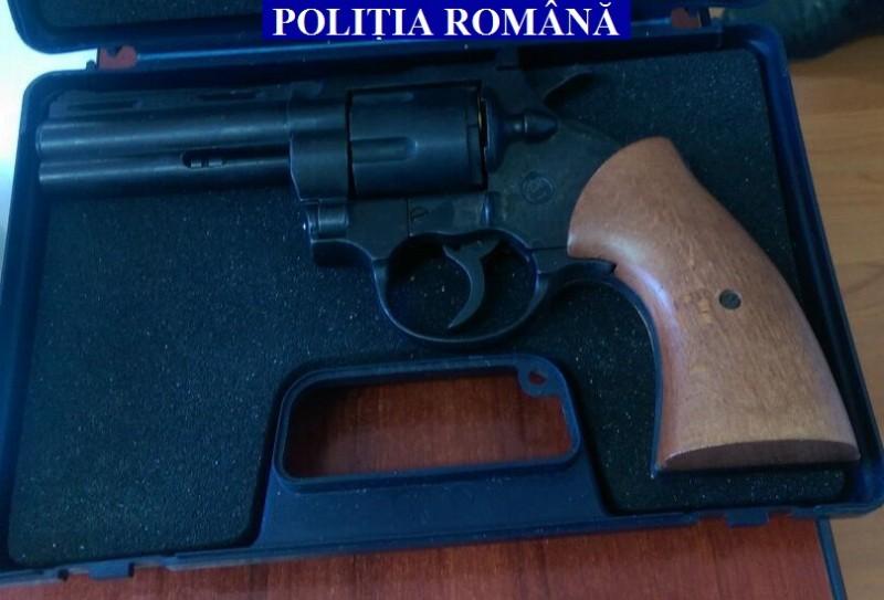 Botoșăneni lăsați fără permisul de port armă, în urma unor controale ale poliției!