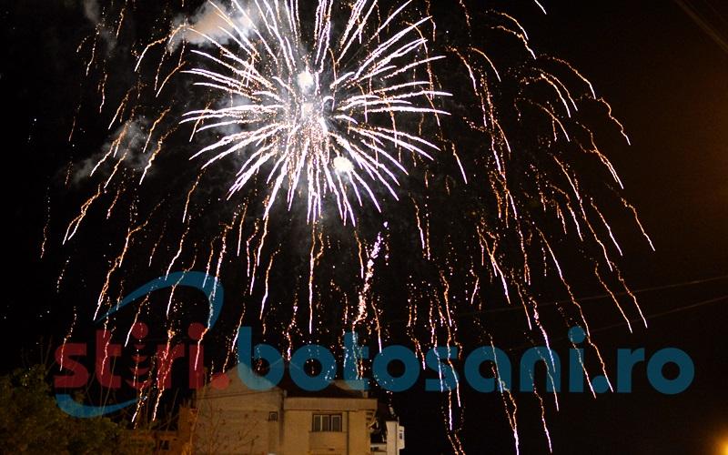 Artificiile au pus punct Zilelor Oraşului. Nu toată lumea a avut parte de ele! FOTO, VIDEO