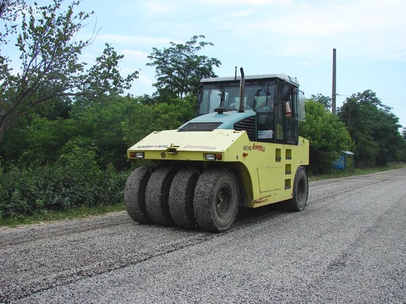 Asfalt nou pe mai multe tronsoane de drum național din județul Botoșani