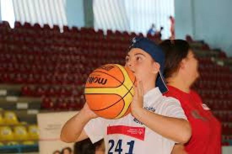 """Asociația """"Down Activ"""" Moldova şi Fundaţia Special Olympics România susţin tinerii cu dizabilităţi intelectuale"""