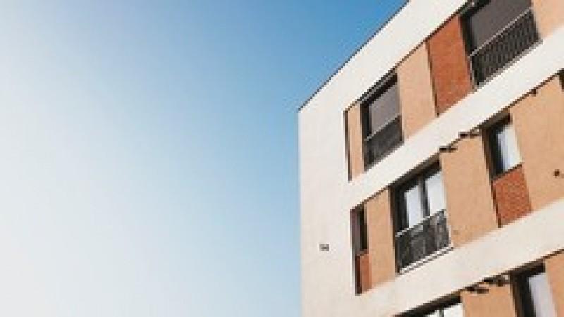 Asociațiile de proprietari vor putea înscrie o ipotecă pe apartamentele datornicilor la cheltuielile blocului