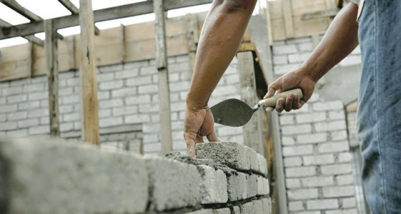 Asta modificare! Construcţiile fără autorizaţie vor putea fi intabulate în cartea funciară!