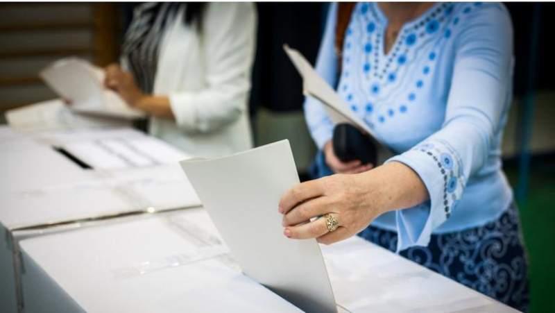 Astăzi a început, oficial, campania pentru prezidențiale. Care este ordinea candidaților pe buletinele de vot: