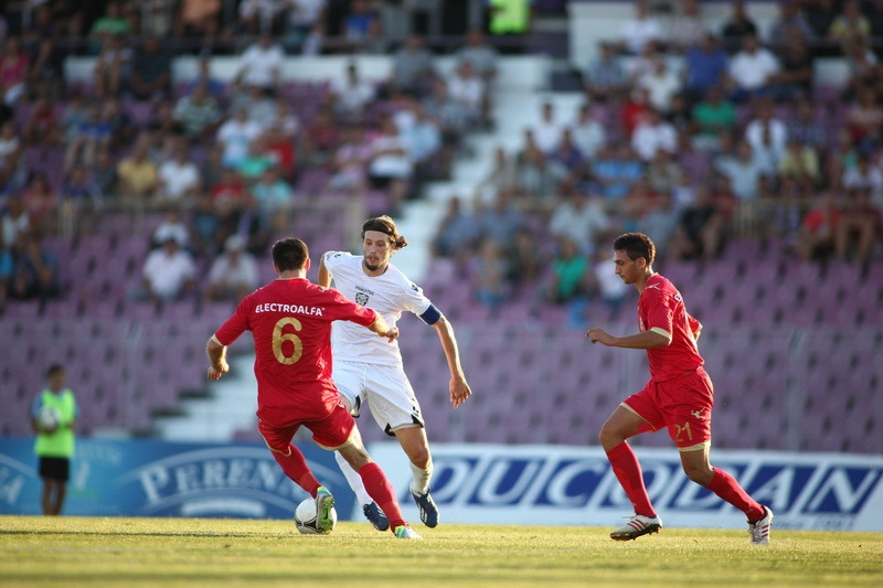 ASTAZI, ora 14:00 : FC Botosani - ACS Poli Timisoara
