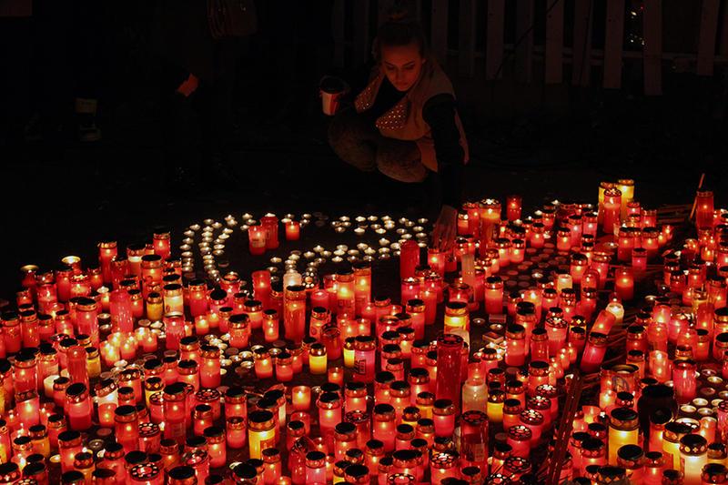 Astăzi se împlineşte un an de la tragedia din clubul Colectiv