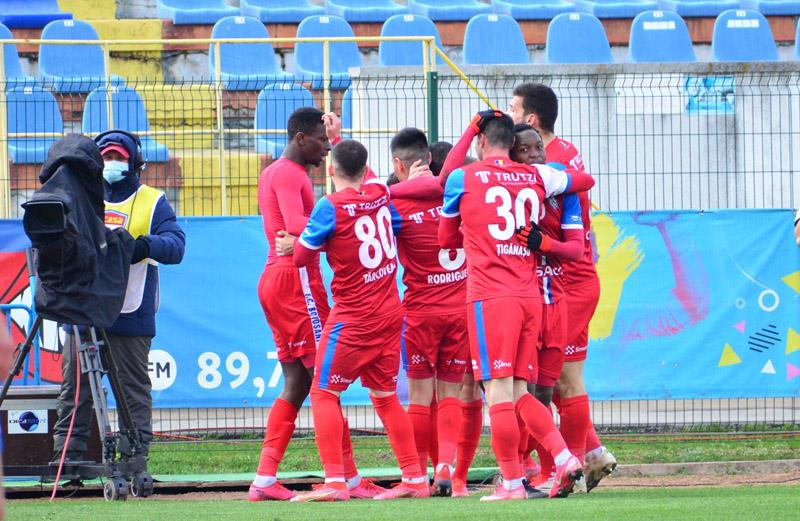 """Astăzi: Voluntari - FC Botoşani, ora 20.30! Tiebreak pentru calificarea în """"BIG 6"""""""