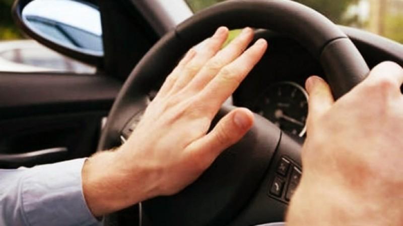 ATENȚIE! Abuzul claxonului în trafic se poate amenda!