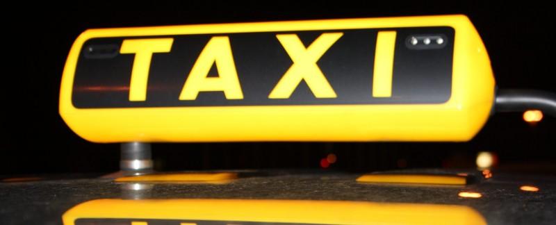 Atenție, botoșăneni! O nouă metodă de înșelăciune: Escrocii apelează la firmele de taxi!