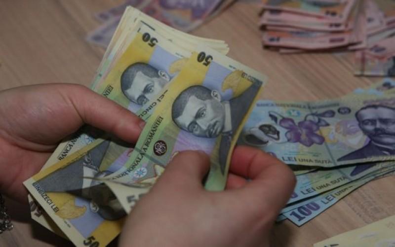 Atenție! Fiscul somează românii care muncesc în străinătate să-şi declare veniturile!