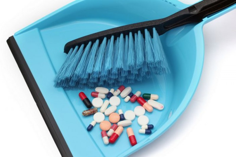 ATENȚIE! Nu arunca medicamentele expirate la gunoi!