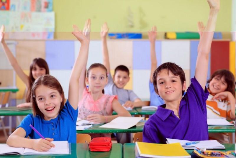 Atenţie, părinţi! Nota 10 nu garantează nici pe departe succesul unui elev!