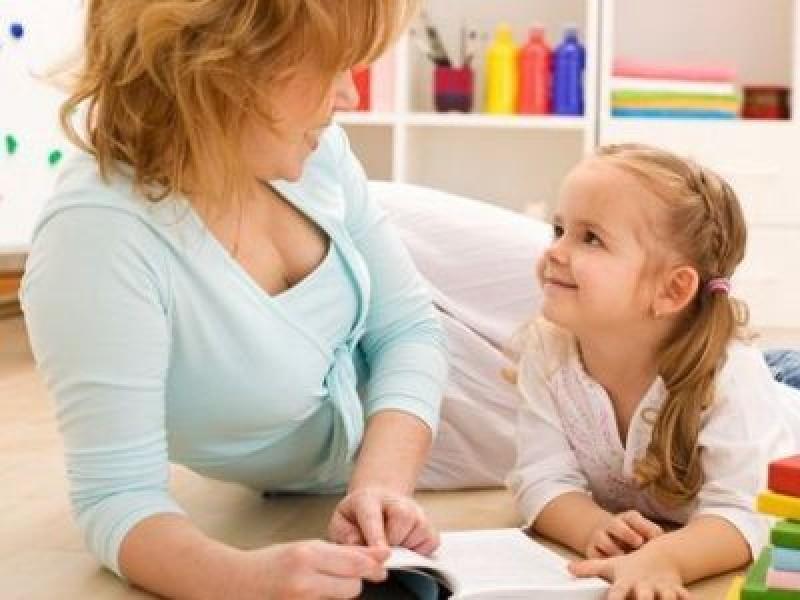 ATENȚIE! Părinții nu trebuie să le facă bonelor contracte de muncă
