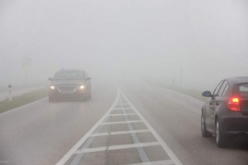 ATENȚIE, șoferi! Cod galben de ceață, în următoarele ore!
