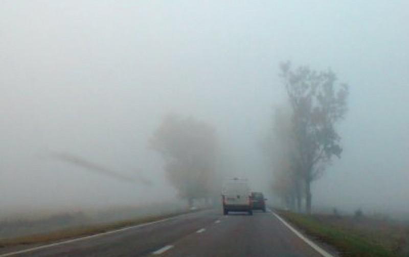 Atenţie, şoferi! Cod Galben de ceaţă şi burniţă, în judeţul Botoşani!