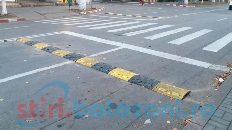 Atenţie, şoferi! Limitatoare de viteză montate pe o stradă din municipiul Botoşani! FOTO