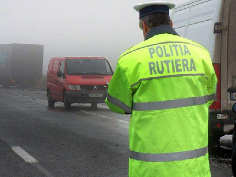 Atenţie, şoferi! Poliţia Română recomandă: Circulaţi cu atenţie sporită, pe vreme rea!