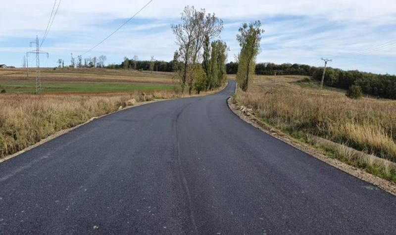 Au fost finalizate lucrările la drumuri pe tronsonul Baisa - Corni. CJ Botoșani demarează lucrările și între Corni și Sarafinești