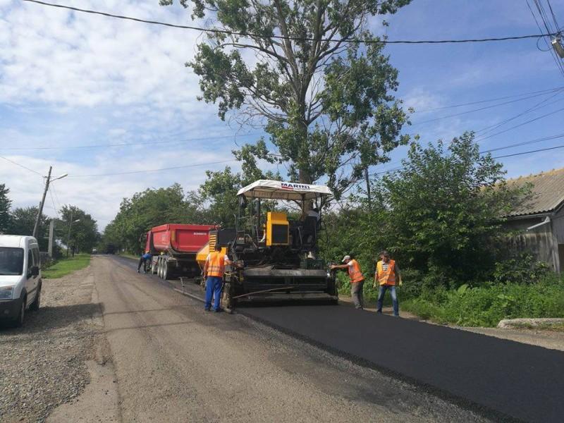 Au inceput lucrările de modernizare pe DJ 293, Coțușca-Ghireni