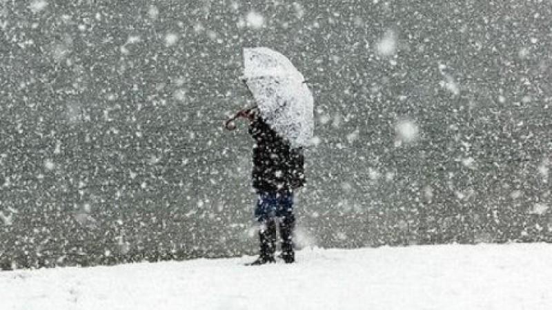 Au revenit ninsorile în Moldova. Câte grade sunt la Botoșani!
