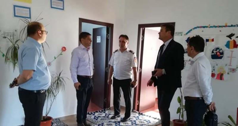 Autoritățile de la Botoșani verifică toate unităţile de învăţământ din judeţ! 33 de unități cu efective mici de copii se vor închide!