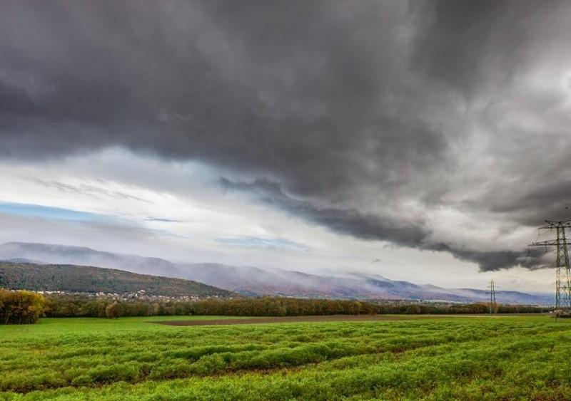Autoritățile evaluează distrugerile produse de furtuni pentru acordarea unor despăgubiri (video)