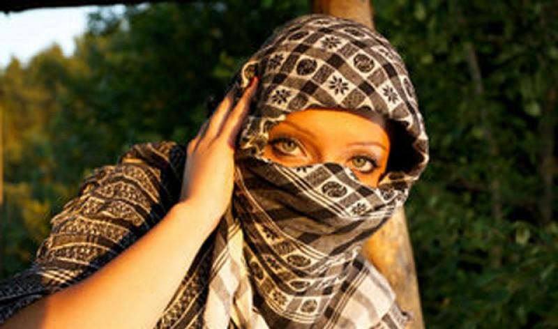 Autoritățile încep să se predea în fața metodelor tradiționale. Raed Arafat: Purtați măști! Dacă nu găsiți să cumpărați, improvizați ceva