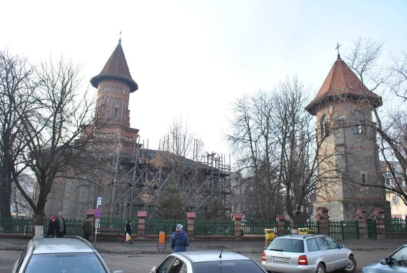 Autorităţile locale semnează, luni, contractul de finanţare pentru reabilitarea Bisericii Sf. Gheorghe