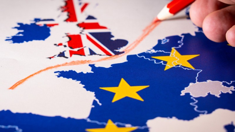 Autoritățile române din Londra spun că românii vor avea aceleași drepturi ca până în prezent. Până pe 31 ianuarie 2020, Brexitul va fi efectuat complet