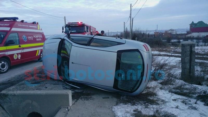 Autoturism răsturnat lângă Hudum! Două persoane au ajuns la spital! FOTO