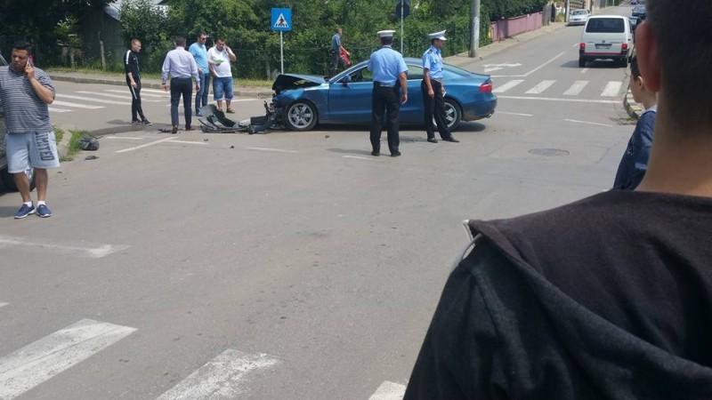 Avarii importante în urma unui accident în zona centrală a Botoşanilor