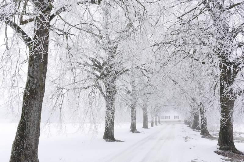 Avertismentul drumarilor pentru șoferi, la începutul unui weekend în care se anunță viscol și temperaturi de -18 grade, în Moldova!