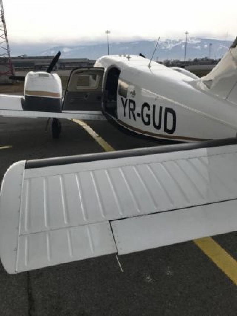 Avionul care a dus Lumina Sfântă în România aparține unui om de afaceri din Botoșani!