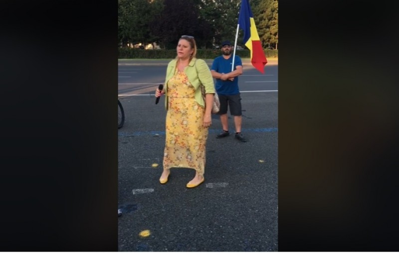 Avocata Diana Șoșoacă, viitor senator AUR, va cere în instanță deshumarea tuturor morţilor COVID