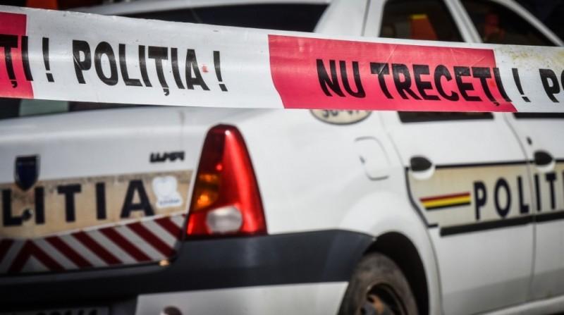 Azi-noapte: Taximetrist găsit tăiat și plin de sânge în mașină, după ce polițiștii au luat la rost suspectul